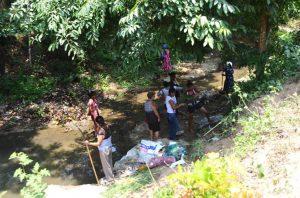 limpiando el río(1)
